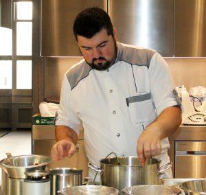 Yoann Bourdais, Chef Restaurant Le XII-Douze de Luynes, pres de Tours en Touraine, Loire Valley