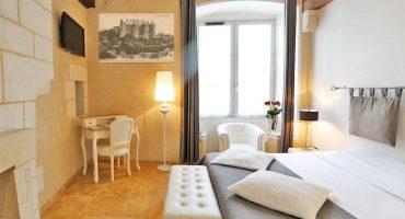 Chambre Hotel de Charme, Le XII-Douze de Luynes, pres de Tours, Loire Valley, Touraine