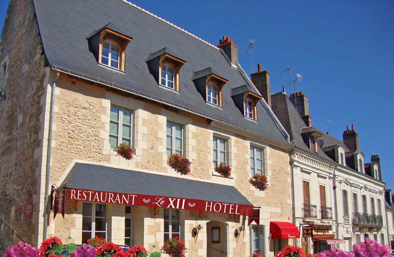 Facade Le XII-Douze de Luynes, Hotel de Charme, Restaurant Pres de Tours en Touraine, Loire Valley